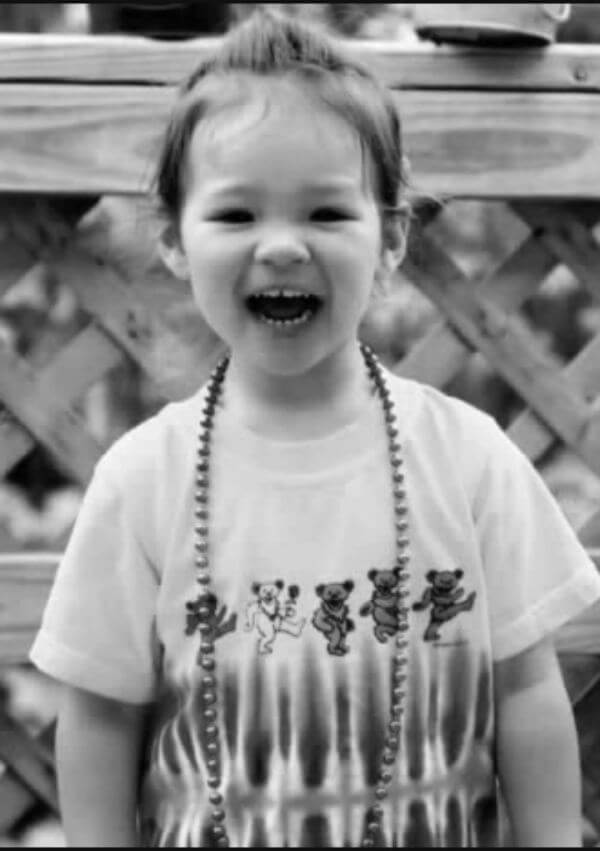 she was traveling with her parents sue kim hanson and peter hanson to california for vacation she was supposed to be going to disneyland but was killed