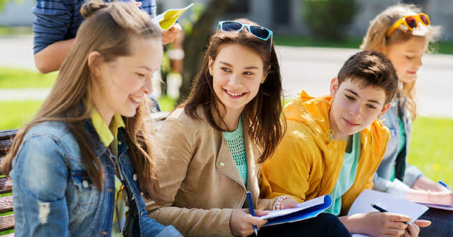 teens-at-school-101316