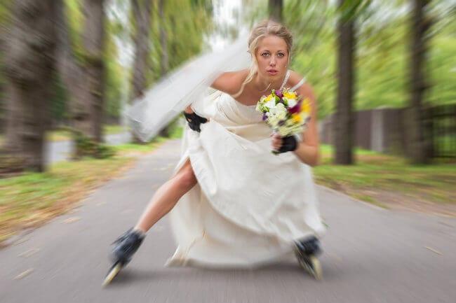 bride-roller-blades