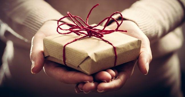gift-box-12216